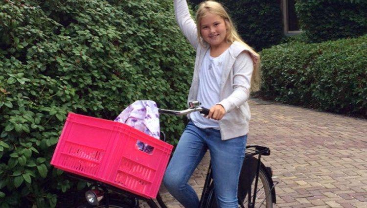 La Princesa Amalia de Holanda en su primer día de colegio en la Escuela de Sorghvliet