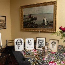 Retratos de Sonia de Noruega y su familia en la casa de sus padres