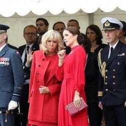 Brigitte Macron y Mary de Dinamarca en la recepción al presidente Macron en Copenhague