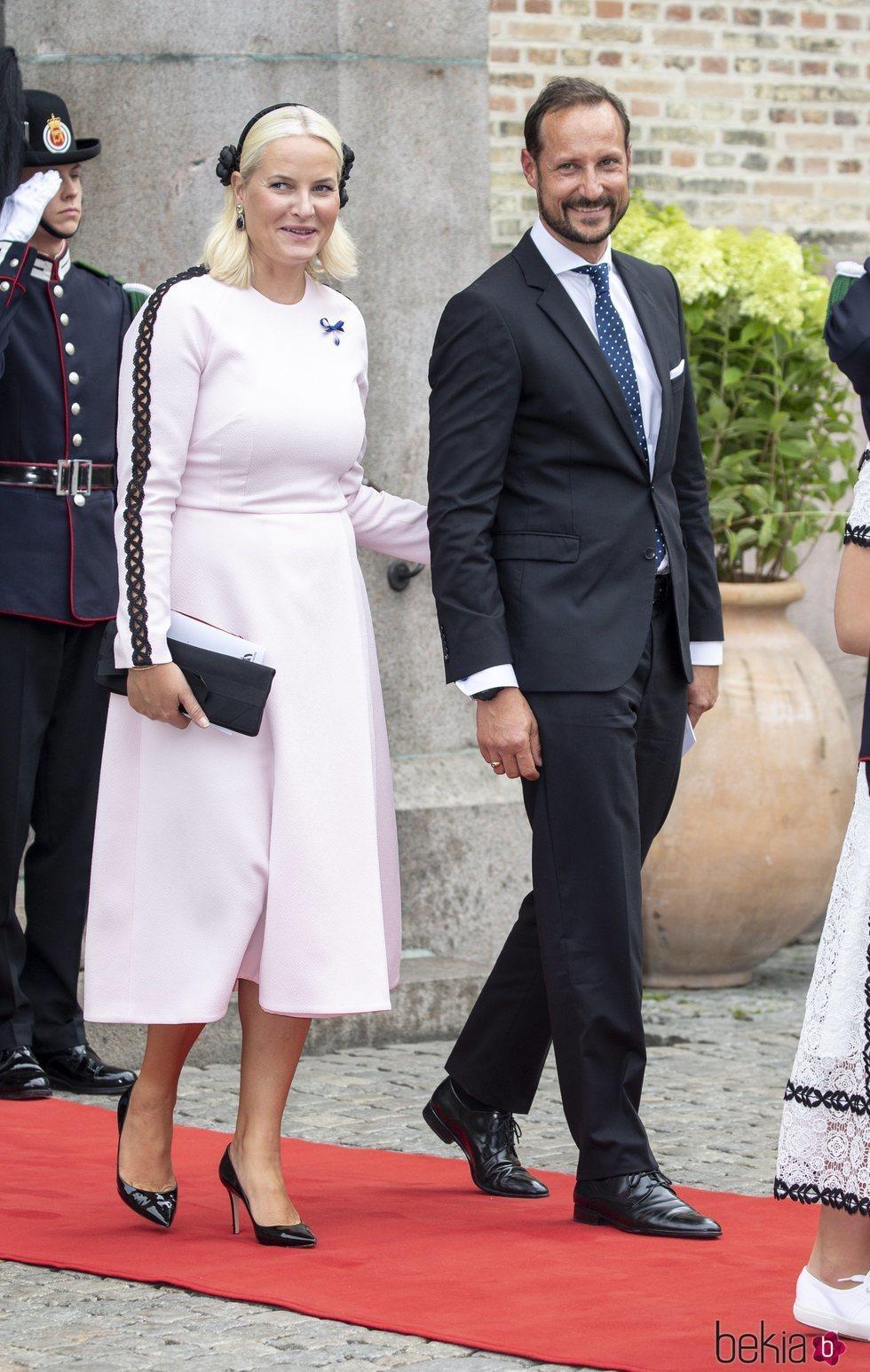Haakon y Mette-Marit de Noruega en las Bodas de Oro de los Reyes Harald y Sonia