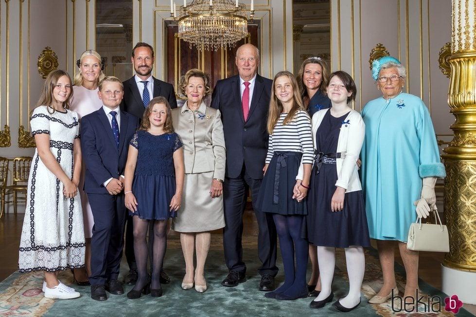 La Familia Real Noruega en las Bodas de Oro de los Reyes Harald y Sonia de Noruega