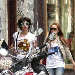 Eduardo Casanova y Ana Polvorosa paseando por Madrid en 2007