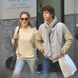 Eduardo Casanova y Ana Polvorosa paseando por Madrid en 2012