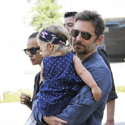 Bradley Cooper, todo un padrazo con su hija Lea en el Festival de Venecia 2018