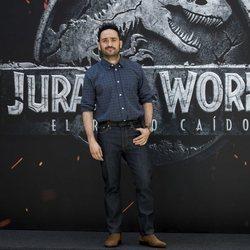 Juan Antonio Bayona durante el photocall de 'Jurassic World: El Reino Caído' en Madrid