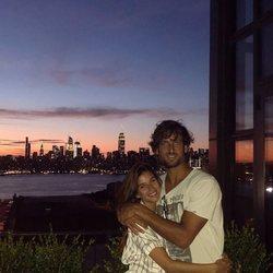 Feliciano López y Sandra Gago disfrutando de una puesta de sol en Nueva York
