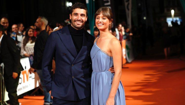 Michelle Jenner y Álex García en la premiere de 'El Continental' en el FesTVal 2018