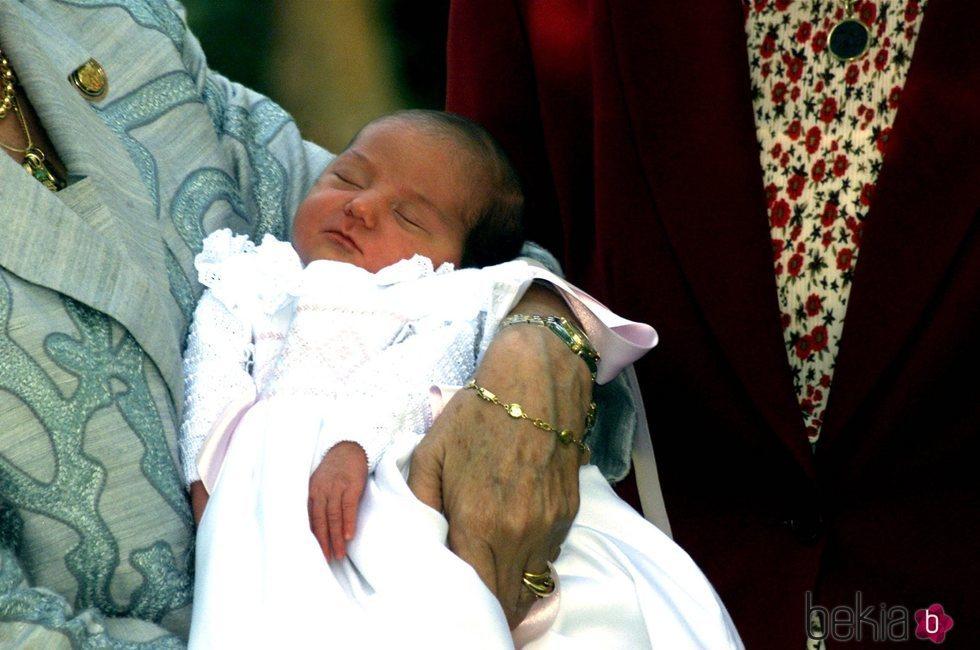 Victoria Federica de Marichalar cuando era un bebé