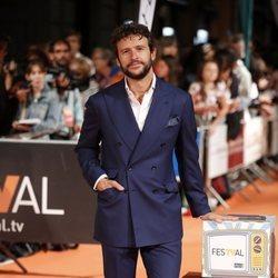 Diego Martín en la premiere de la segunda temporada de 'Velvet Colección' en el FesTVal de Vitoria