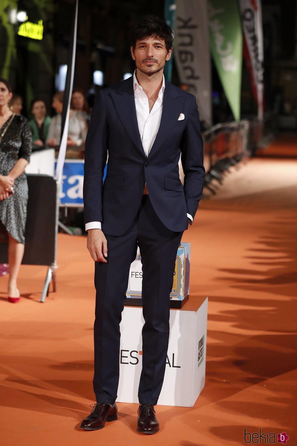 Andrés Velencoso en la premiere de la segunda temporada de 'Velvet Colección' en el FesTVal de Vitoria