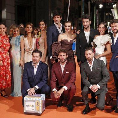 Algunos miembros del reparto de 'Velvet Colección' durante la premiere de la segunda temporada en el FesTVal de Vitoria
