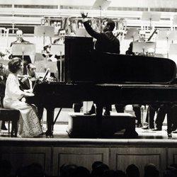 Irene de Grecia tocando el piano