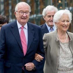 Los Reyes Alberto y Paola de Bélgica durante el 80 cumpleaños de la Reina