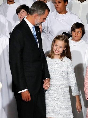 El Rey Felipe y la Princesa Leonor, muy cariñosos en la Basílica de Covadonga
