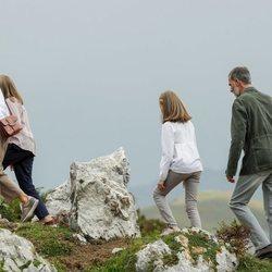 La Familia Real haciendo senderismo en los Lagos de Covadonga