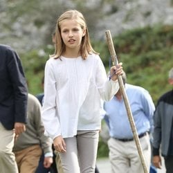 La Princesa Leonor haciendo senderismo en los Lagos de Covadonga