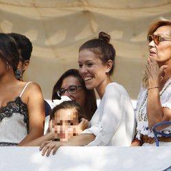 Gloria Camila, Kiko Jiménez y Rosa Benito en la procesión de la Virgen de la Regla en Chipiona