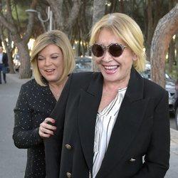 Mila Ximénez y Terelu Campos dando un paseo por Madrid