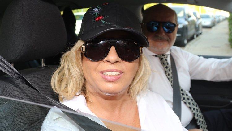 Carmen Borrego con su nuevo rostro junto a su marido