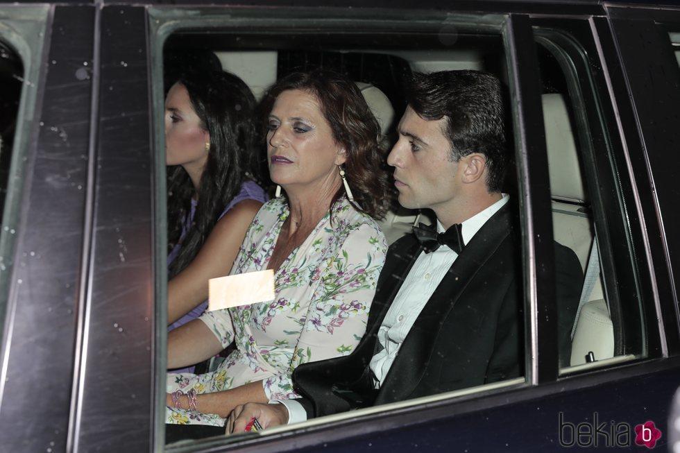 Rafa Serna y Mercedes Vázquez en la puesta de largo de Cayetana Rivera