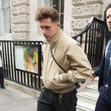 Brooklyn Beckham en el desfile de Victoria Beckham en la London Fashion Week