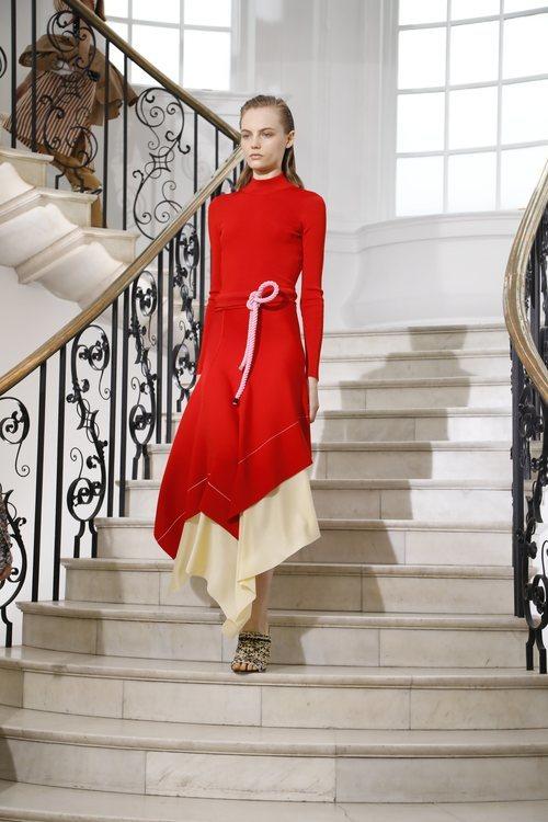 El estilo minimal es su principal referencia en el diseño de sus prendas