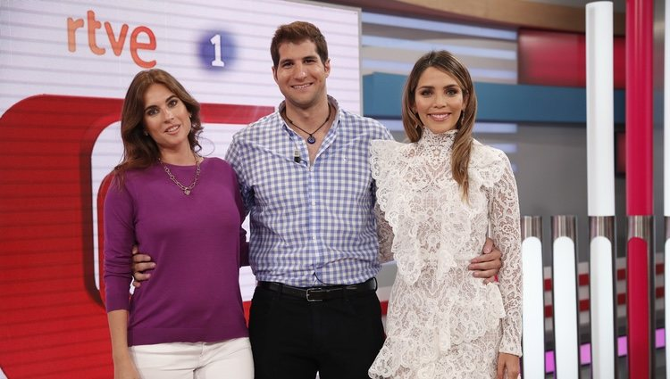 Lourdes Montes, Julián Contreras Jr y Rosanna Zanetti en la presentación de 'Corazón'