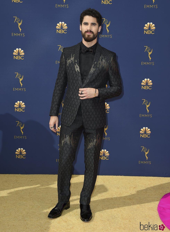 Darren Criss en la alfombra roja de los Premios Emmy 2018