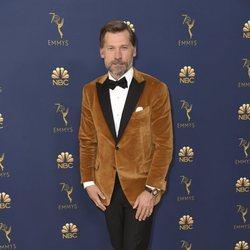 Nikolaj Coster-Waldau en la alfombra roja de los Premios Emmy 2018