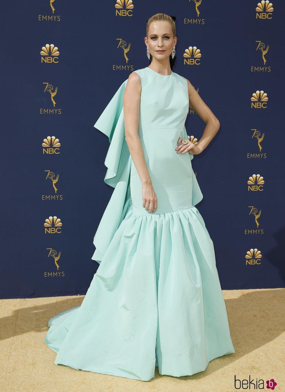 Poppy Delevingne en la alfombra roja de los Premios Emmy 2018