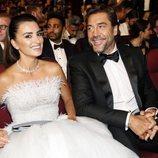 Penélope Cruz y Javier Bardem en la entrega de los Premios Emmy 2018
