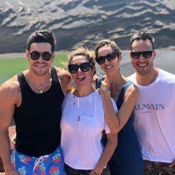Mario Casas y Blanca Suárez de vacaciones con unos amigos en Tenerife