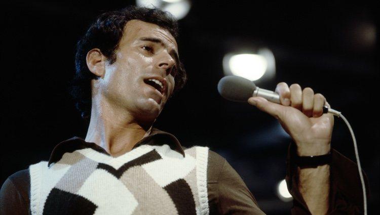 Julio Iglesias en sus primeros años como cantante