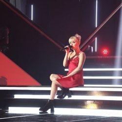 Alba Reche durante su primera actuación de 'Operación Triunfo' 2018