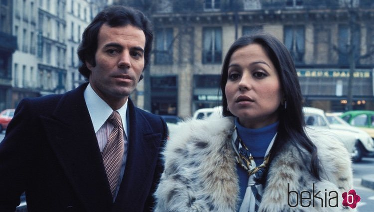 Julio Iglesias junto a Isabel Preysler