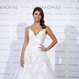 Sofía Suecun vestida de blanco para la presentación de la nueva colección de Luna Novias