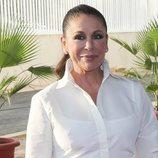 Isabel Pantoja reaparece con una sonrisa en un evento publicitario