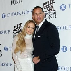 Jennifer Lopez y Alex Rodriguez en la cena Great Sports Legends de 2018