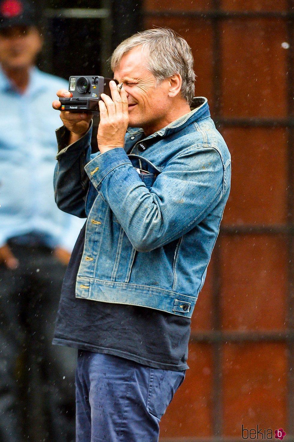 Viggo Mortensen sacando una foto en Nueva York 2018