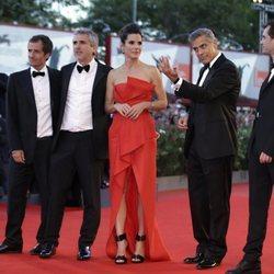 George Clooney, Sandra Bullock, Alfonso Cuarón, Jonas Cuarón y David Heyman 2013
