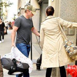 Daniel Craig y Rachel Weisz con su hija en Nueva York
