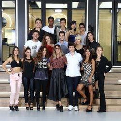 Posado oficial de los concursantes de 'OT 2018' junto a Noemí Galera