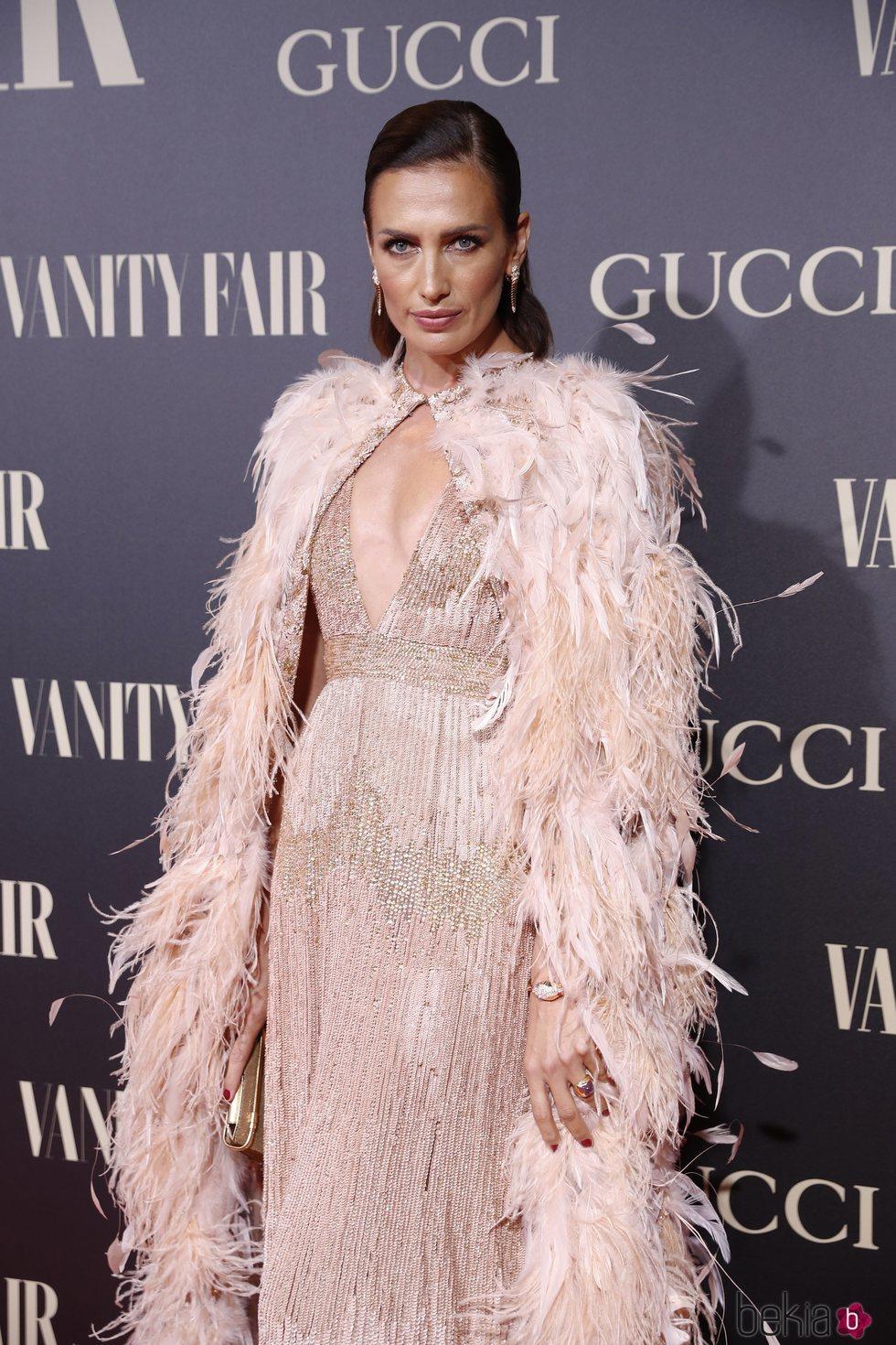 Nieves Álvarez en la alfombra de la fiesta de Vanity Fair 2018
