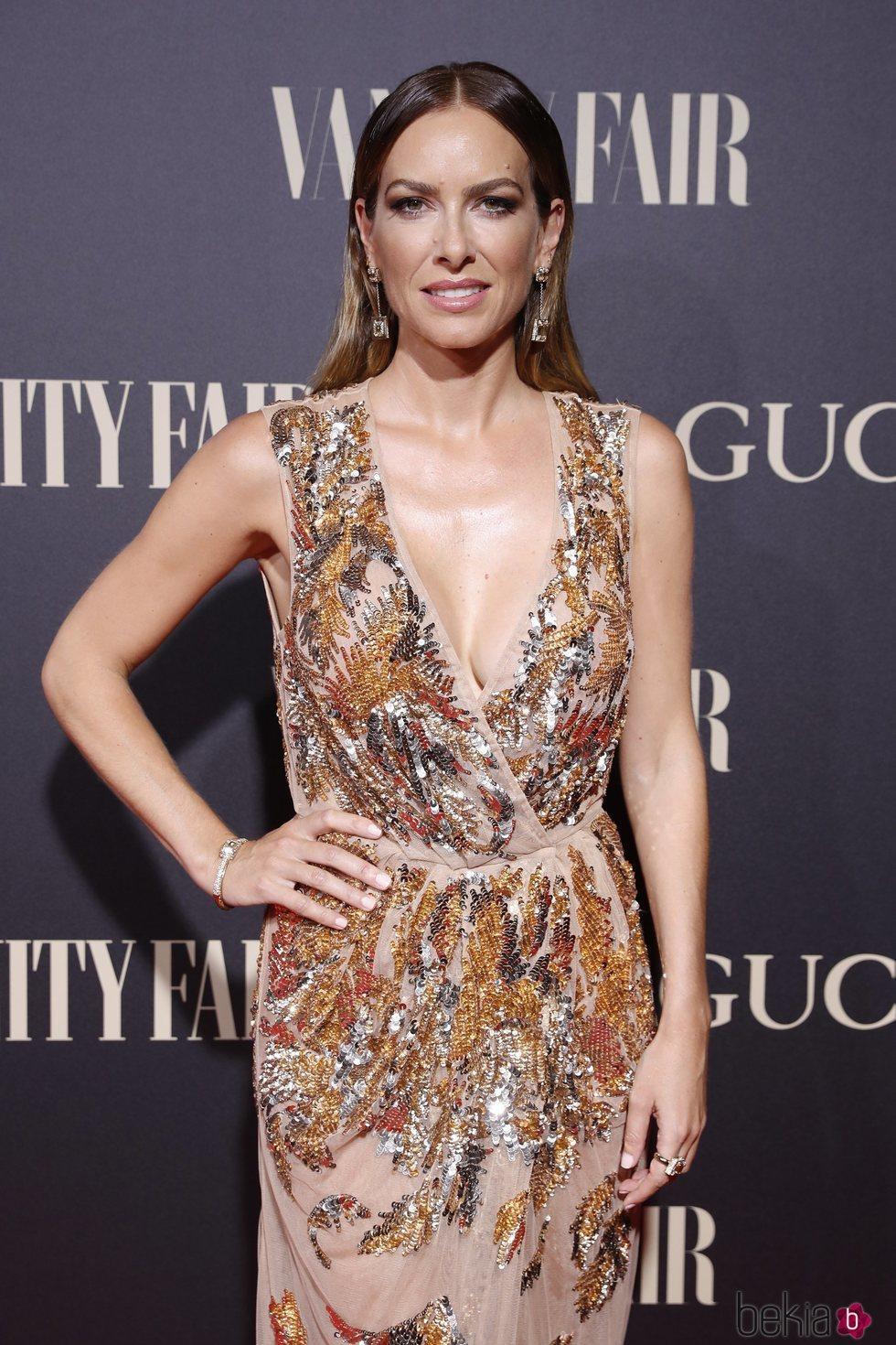 Kira Miró en la alfombra de la fiesta de Vanity Fair 2018