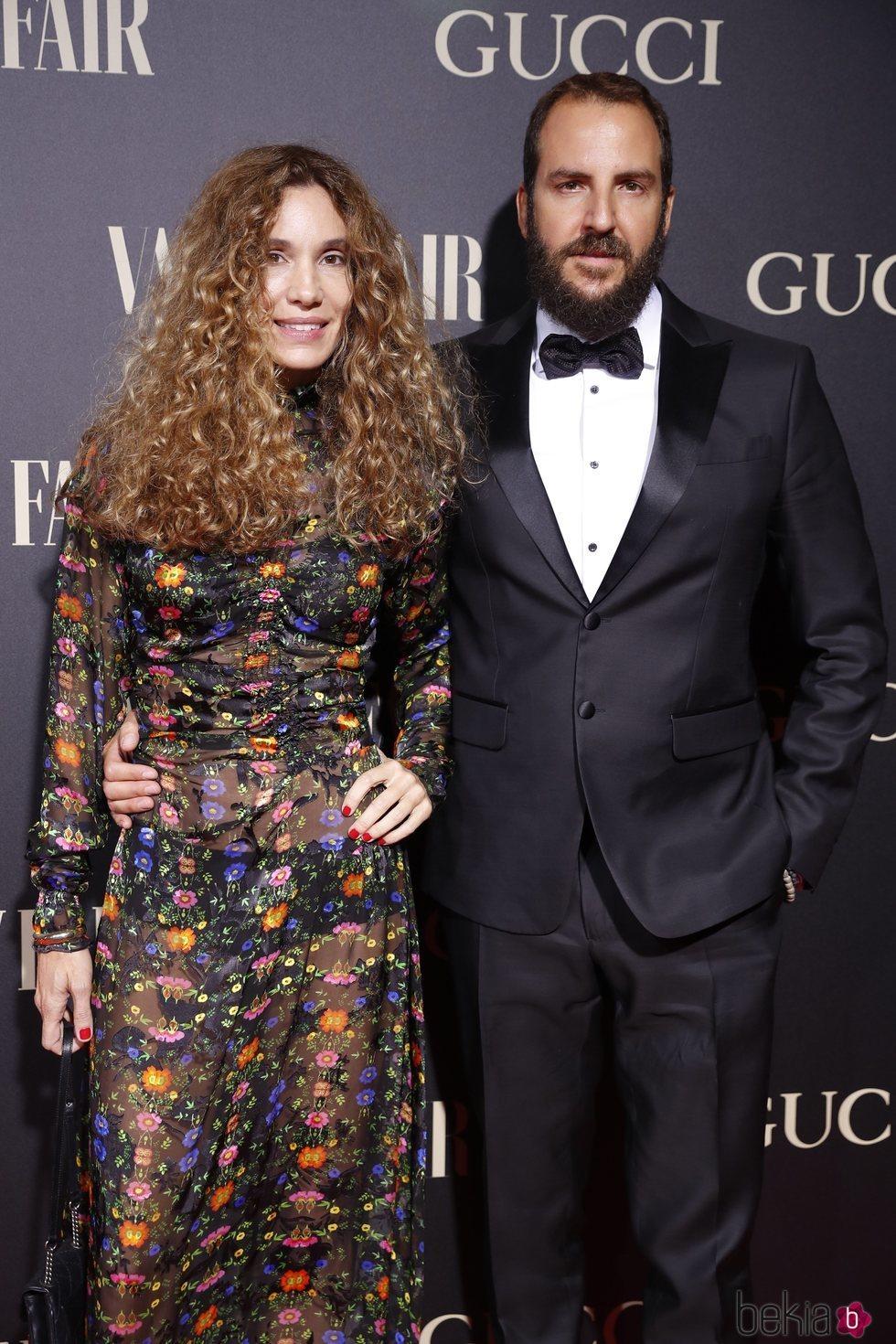 Blanca Cuesta y Borja Thyssen en la alfombra de la fiesta de Vanity Fair 2018