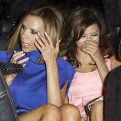 Eva Longoria y Victoria Beckham, de paseo en coche por Los Ángeles en 2008