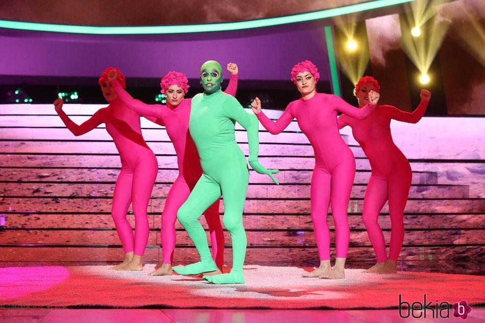 Anabel Alonso imitando a El Chombo en la primera gala de 'Tu cara me suena 7'