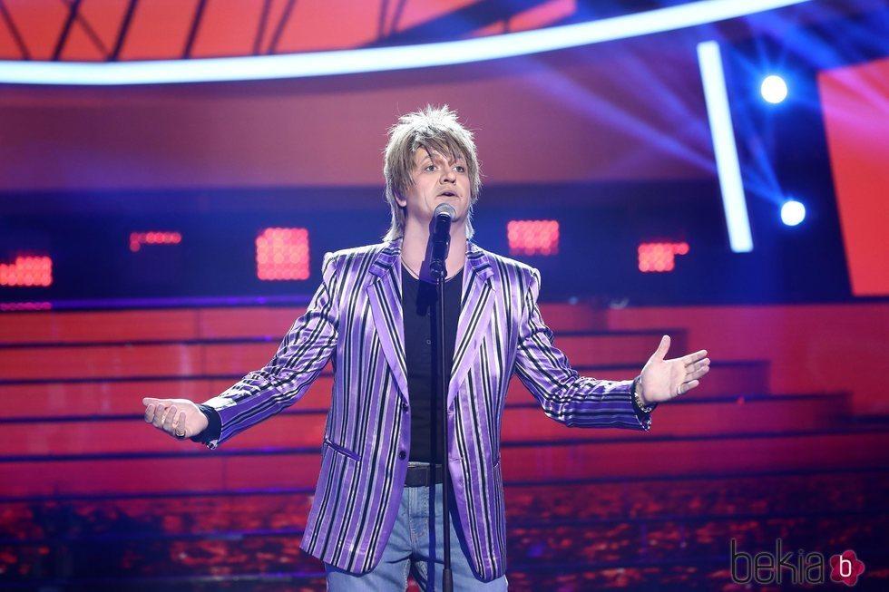 Manu Sánchez imitando a Rod Stewart en la primera gala de 'Tu cara me suena 7'