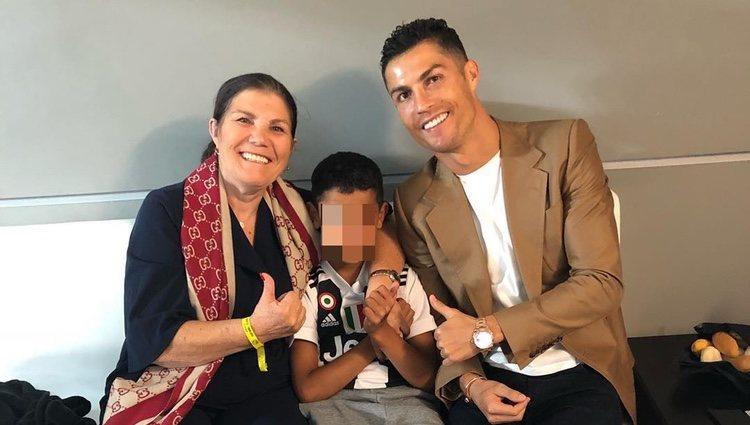 Dolores Aveiro con Cristiano Ronaldo y Cristiano Ronaldo Junior en Italia