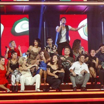 Los concursantes de 'OT 2018' en la Gala 2 cantando 'Bonita es'